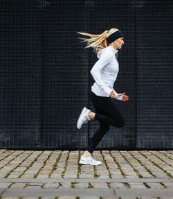 How To Become A Better Runner: 7 Tips For Instant Improvement