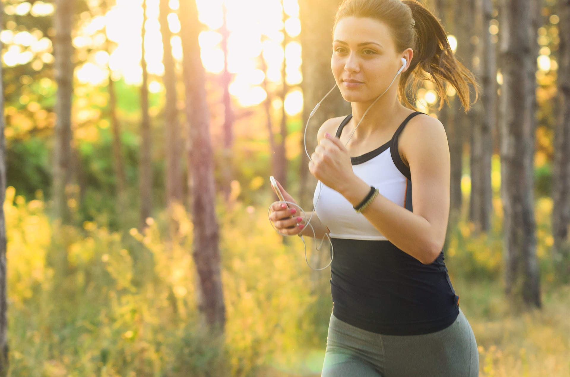 The Holistic Runner's Guide: How To Lose Weight and Increase Energy Naturally // Long Run Living